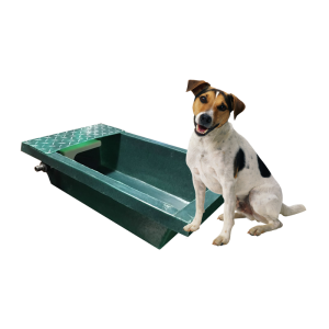 eco-plastics-_-dog-water-trough-with-hosepipe-fitting